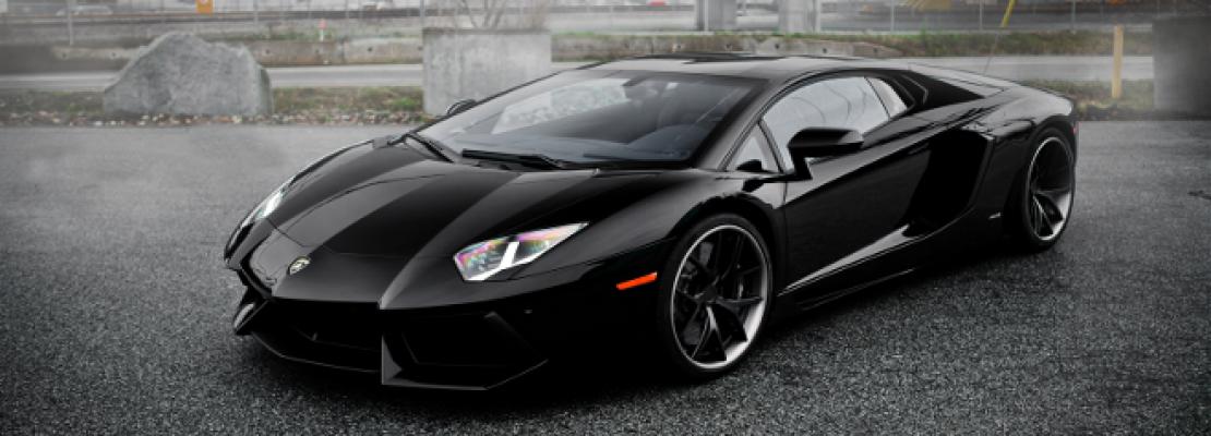Απίστευτο τροχαίο με Lamborghini Aventador: Σαρώνει τα πάντα στο πέρασμα της (ΒΙΝΤΕΟ)