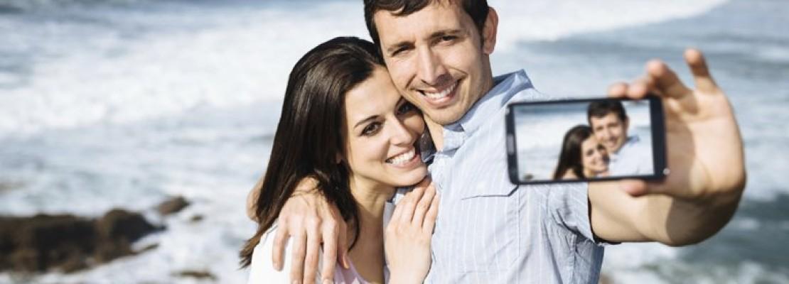 Τι αποκαλύπτουν τα «relfies» για τη σχέση σας