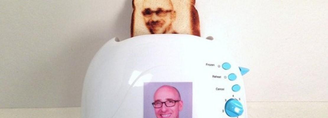 Αμερικανοί κατασκεύασαν φρυγανιέρα που βγάζει… selfie πάνω στο ψωμί