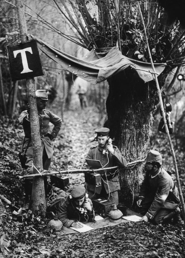 mobile-phones-1916.jpg