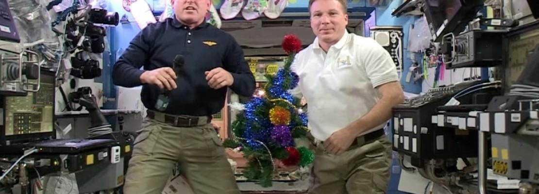 Πώς γιόρτασαν οι αστροναύτες τα Χριστούγεννα στο διάστημα