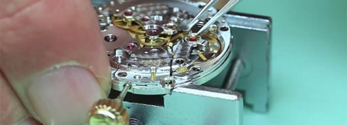 Γιατί τα Rolex είναι τόσο ακριβά: Καρέ-καρέ οι 3.135 κινήσεις που χρειάζονται για να κατασκευαστεί ένα ρολόι