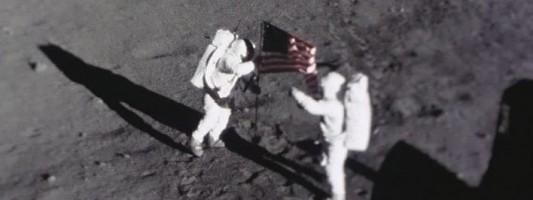 Οταν ο άνθρωπος πάτησε το φεγγάρι: Αγνωστες εικόνες και αντικείμενα από το ιστορικό βήμα του Αρμστρονγκ [εικόνες]