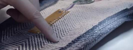 Υπολογιστές από… ύφασμα: Προ των πυλών τα πρώτα «ηλεκτρονικά» ρούχα (ΒΙΝΤΕΟ)