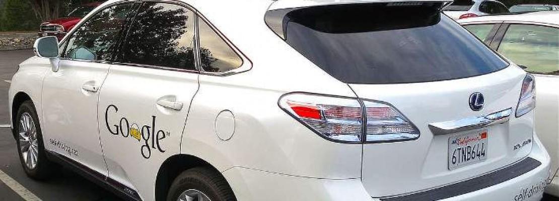 Το πρώτο ατύχημα από self-driving car – Τράκαρε με λεωφορείο