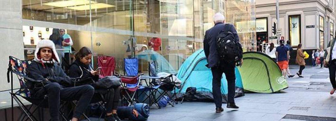 Παγκόσμια υστερία για το iPhone -Ουρές έξω από καταστήματα, πριν ξεκινήσει καν η πώληση