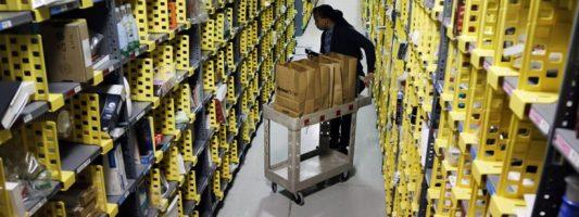 Amazon: Θα προσλάβει 120.000 εποχιακά εργαζόμενους για την περίοδο πριν τα Χριστούγεννα