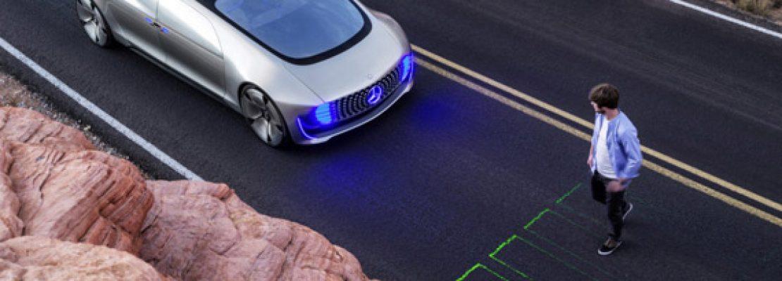 Mercedes: Τα αυτόνομα οχήματα θα σώζουν πρώτα τους επιβάτες και μετά τους πεζούς