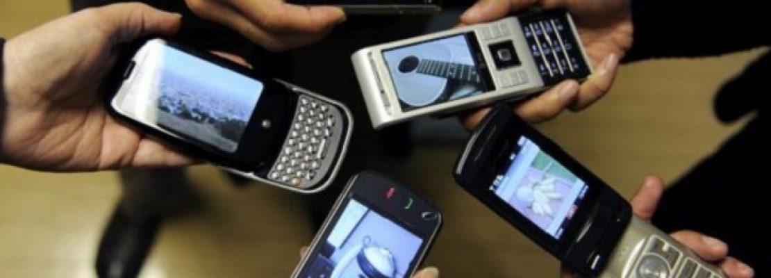 Ένας στους δύο κάνει διαδικτυακές αγορές μέσω smartphone