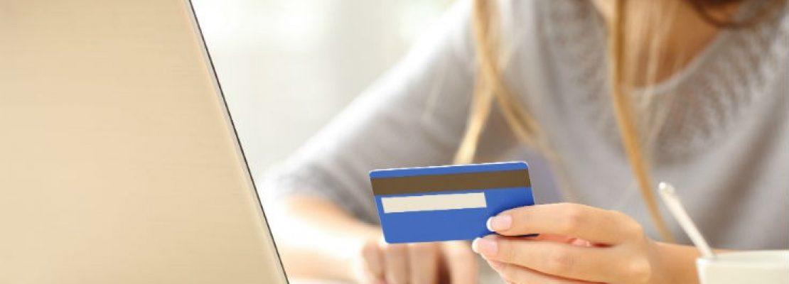 """Τι πρέπει να προσέχετε στις online αγορές για να μην """"την πατήσετε"""""""