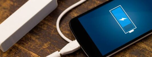 5 κόλπα για να φορτίζεις το κινητό σου πιο γρήγορα