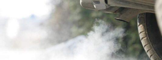 10 φορές πιο τοξικά τα πετρελαιοκίνητα αυτοκίνητα από τα φορτηγά και τα λεωφορεία!