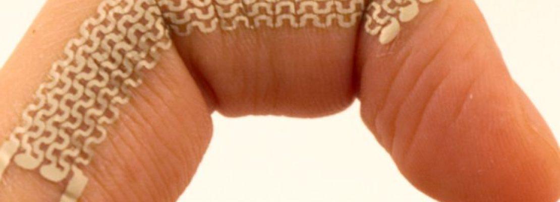 Ηλεκτρονικά τατουάζ μετατρέπουν τις φακίδες σε πλήκτρα κινητού