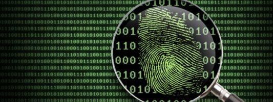 Βγάζουν φόρα παρτίδα τα προσωπικά δεδομένα στο ίντερνετ