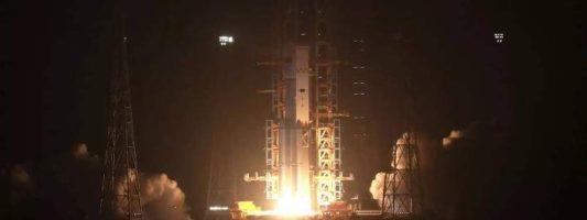 Το πρώτο κινέζικο διαστημόπλοιο προσδέθηκε με επιτυχία στο διαστημικό εργαστήριο
