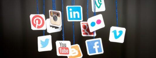 Αθώα τα μέσα κοινωνικής δικτύωσης για την πολιτική πόλωση