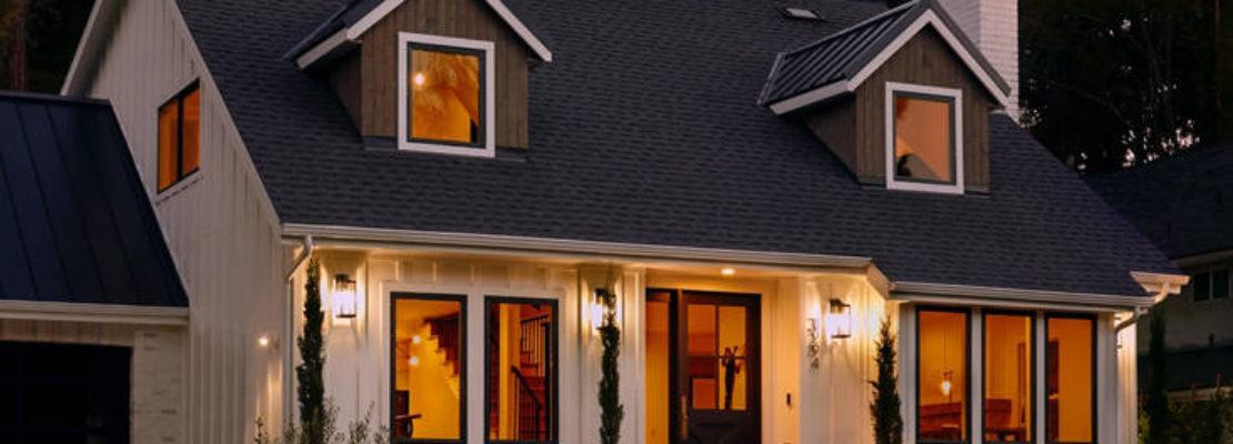 Τόσα χρειάζεσαι για να θωρακίσεις το σπίτι σου με κάμερες ασφαλείας και έξυπνα φώτα