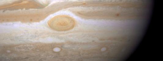 Εκπληκτικά μοναδική εικόνα: Τριπλή έκλειψη φεγγαριών στον πλανήτη Δία