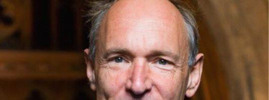 Ο «πατέρας» του παγκόσμιου ιστού αποκάλυψε το σχέδιό δράσης του κατά της ψηφιακής δυστοπίας