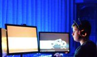 Οι μισοί γονείς αφήνουν τα παιδιά τους να ρυθμίζουν μόνα τους τη διαδικτυακή τους δραστηριότητα