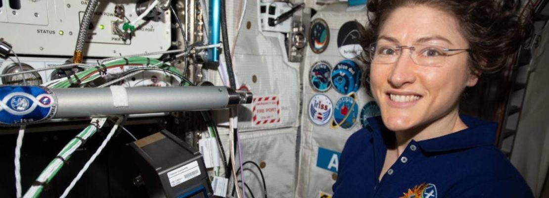 Αμερικανίδα αστροναύτης έσπασε το ρεκόρ συνεχόμενης παραμονής γυναίκας στο διάστημα