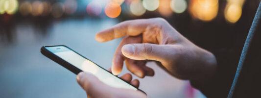 Συνομιλίες Orange – Apple με στόχο εφαρμογή που θα εντοπίζει πιθανά κρούσματα κορονοϊού