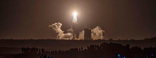 Επιστρέφει στη Γη το ρομποτικό σκάφος Chang'e 5