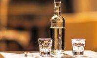 Ρώσος επιστήμονας: Η κατανάλωση αλκοόλ αμέσως μετά τη διενέργεια του εμβολίου για τον κορωνοϊό πρέπει να αποφεύγεται