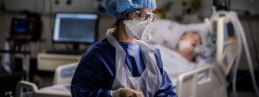 Έρευνα: Πριν κάνετε επέμβαση, καλύτερα να ρωτήσετε τον γιατρό μήπως έχει γενέθλια τη μέρα του χειρουργείου