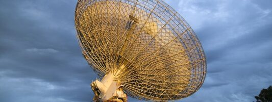 Επιστήμονες εντόπισαν μυστήριο σήμα από το κοντινότερο αστρικό σύστημα